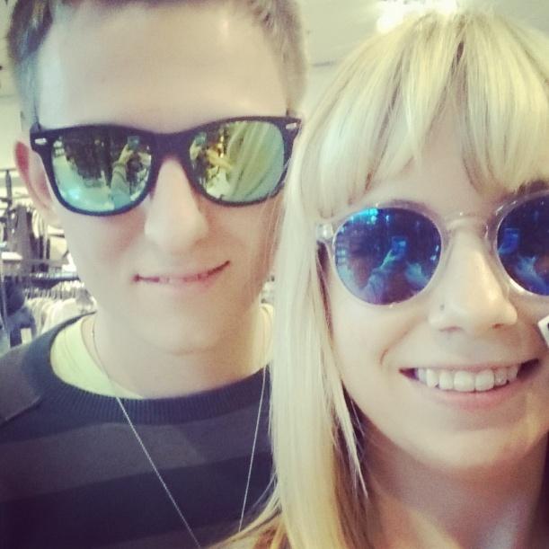 Sonnenbrillen Shopping - Stefan hat seine tatsächlich gekauft :)